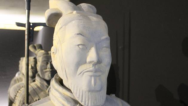 Terakotova armáda dobývá fïlmové ateliéry na Kudlově. Výstava o sedmdesáti mužích asijské armády.Foto: Michal Schmidt