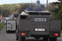 Policisté se dostali k epicentru výbuchu. Likvidace munice potrvá několik dní