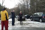 Dopolední a ranní fotky čtenářky paní Velikovské - cesta Racková - Zlín a Zlín - Racková. Zablokována doprava na 4 hodiny z obou stran. Ledovka a několik dopravních nehod, nehoda i školního autobusu - skončil v příkopě.