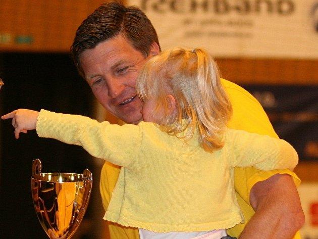 Trenér Titkov s dcerou křídelníka Tomáše Bučka.