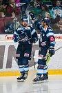 Utkání 42. kola Tipsport extraligy ledního hokeje se odehrálo 21. ledna v liberecké Home Credit areně. Utkaly se celky Bílí Tygři Liberec a Aukro Berani Zlín. Na snímku zleva Martin Bakoš a Petr Jelínek.