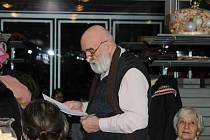 Na Balkáně zněly verše a heligonky