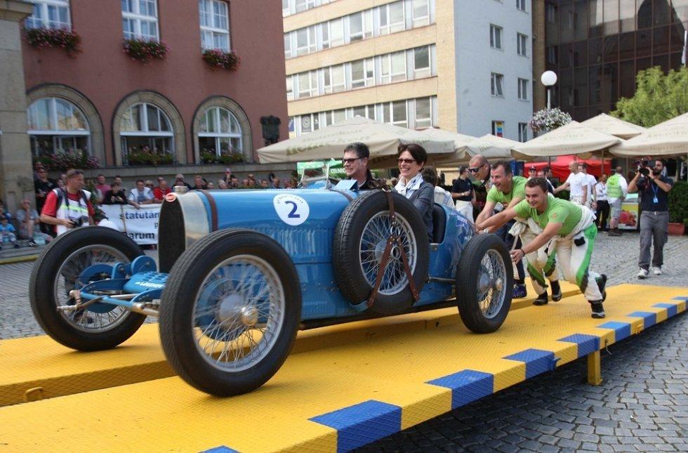 Barum Czech Rally Zlín 2014.  Start na náměstí Míru ve Zlíně.