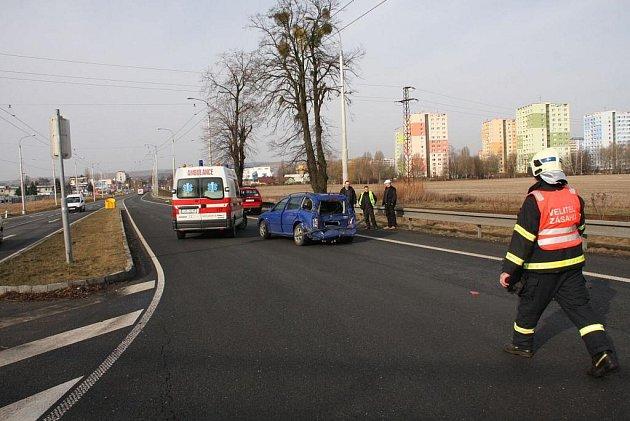 Na hlavním tahu I/49, ve směru na Otrokovice, došlo pod nadjezdem na obchvat města k dopravní nehodě
