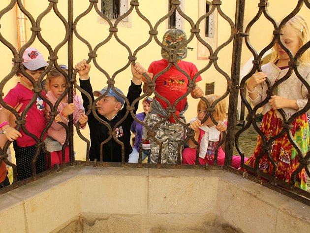Druhý víkend dětských prohlídek na hradě v Malenovicích