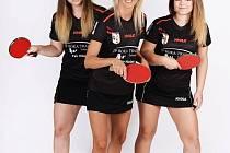 stolní tenistky KST Hluk. Zleva: Staňka Slezáková, Monika Vybíralová, Klára Malíková