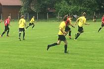 Fotbalisté Újezdu ve třetím zápase Ligy4 zvítězili na hřišti v Drnovicích 5:2 a vrátili se do čela tabulky