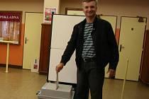 V napajedlích volil v pátek krátce po 15. hodině i europoslanac Tomáš Zatloukal