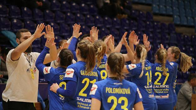 Ve čtvrtfinále Českého poháru házenkářky Zlína v neděli podlehly ostravské Porubě 20:30 a skončily před závěrečným turnajem Final four.