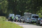Pátrání po nebezpečných pachatelích, kteří měli v pondělí přepadnout vůz pošty v Hornom Srnie na Slovensku
