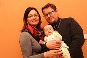 VÍTÁME TĚ MEZI NÁMI, KRISTÝNKO! Vítání občánků - Martin a Kateřina Wellek s dcerou Kristýnou.