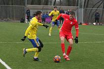 Fotbalisté Zlína (ve žlutých dresech) v prvním letošním zimním přípravném zápase přehráli druholigové Blansko 4:1.