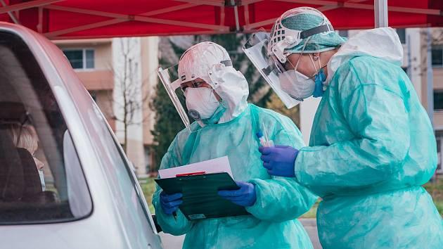 Odběrový stan v Krajské nemocnici Tomáše Bati ve Zlíně
