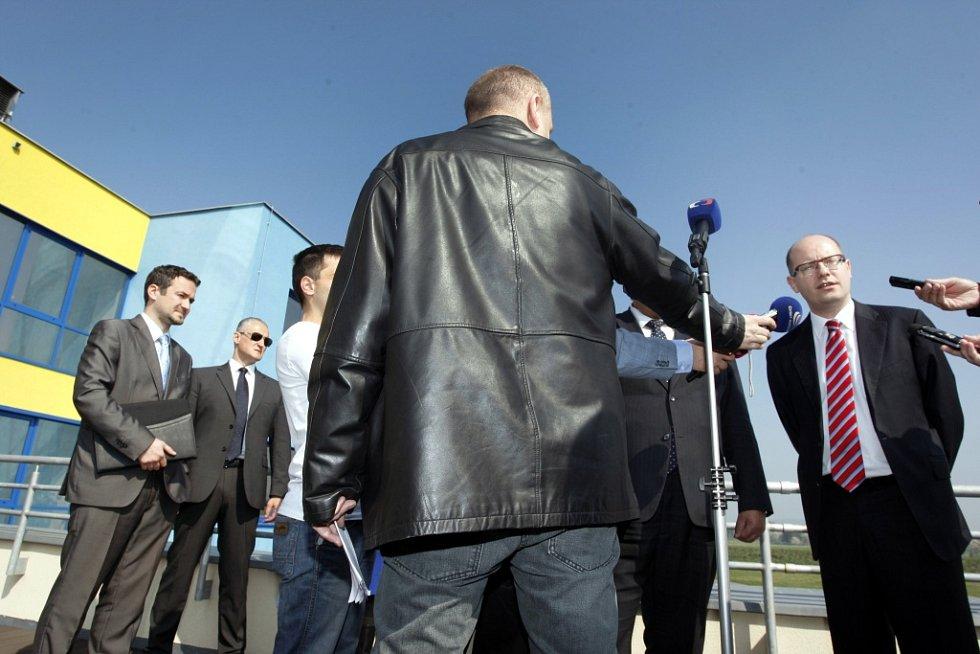 Premier Bohuslav Sobotka na návštěvě Zlínského kraje.  Průmyslová zóna v Holešově.