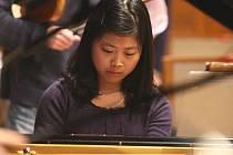 Mladá korejská klavíristka Hye-Jin Kim.