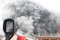 Požár 103. budovy v areálu Svit ve Zlíně.
