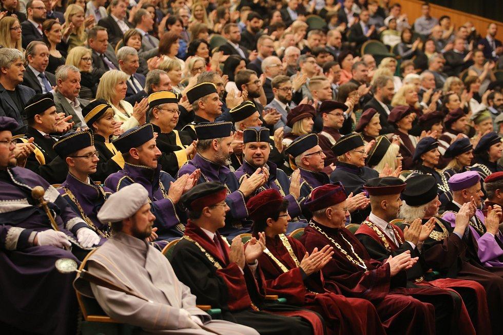 Slavnostní inaugurace rektora Univerzity Tomáše Bati ve Zlíně Vladimíra Sedlaříka.
