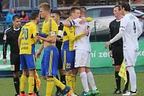Fastav Zlín (ve žlutém) proti FC Slovácko
