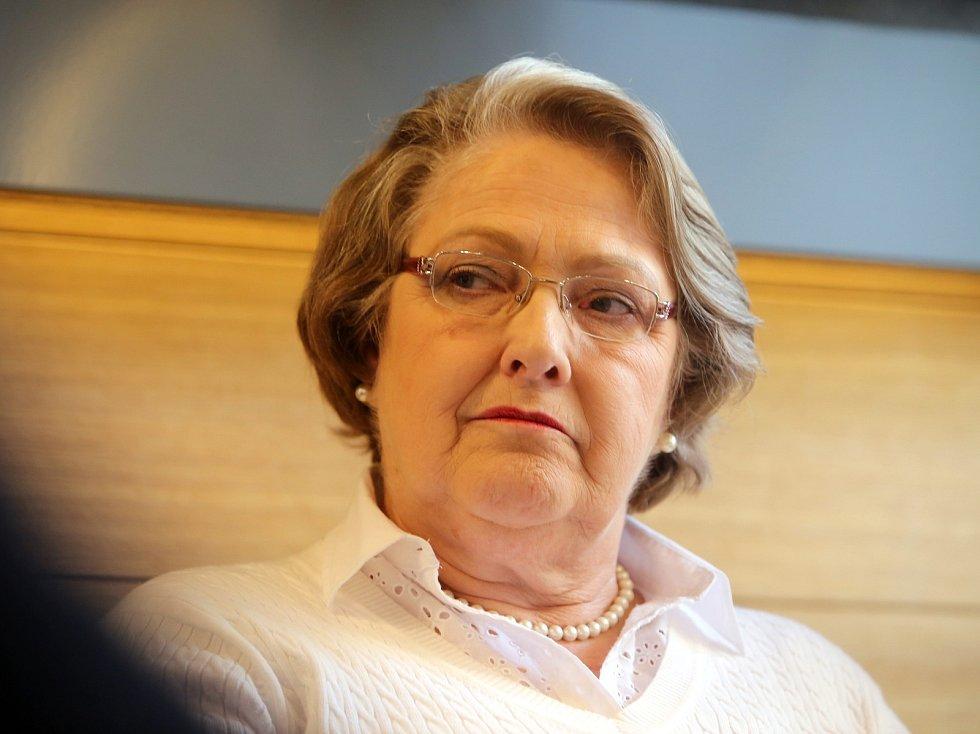Dolores L. Bata Arambasic