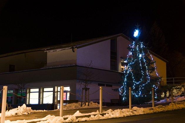 Vánoční strom Horní Lhota uLuhačovic