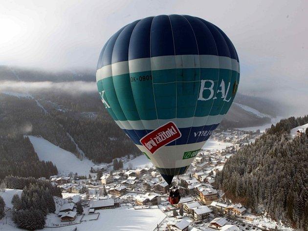 Balony z našeho kraje nad Alpami