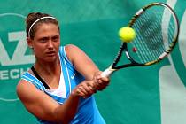 Mezinárodní tenisový turnaj ITF žen Manet+ SMART CARD OPEN 2012 ve Zlíně. Na snímku Martina Kubíčková.