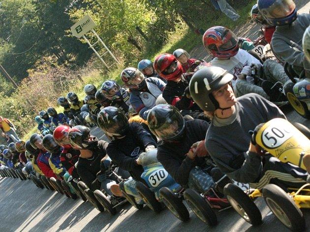 Nedělní tréninkový závod motokár se v Pozlovicích