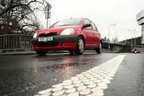 Řidiči se na silnicích I. i II. tříd Zlínského kraje stále více setkávají s novým typem vodorovného dopravního značení.
