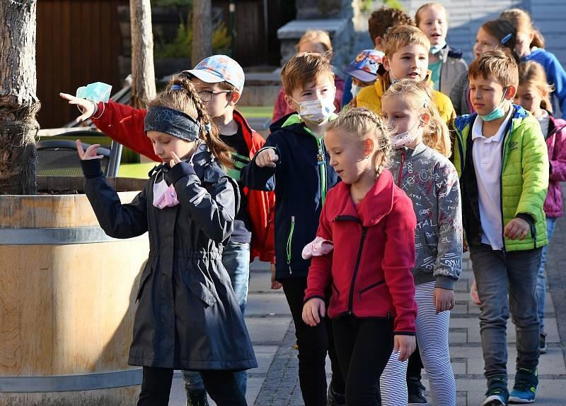 Česko čte dětem v Luhačovicích. Akci si děti užily