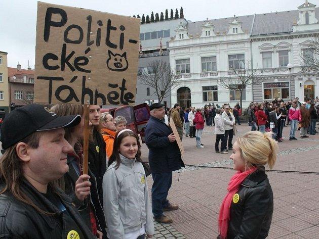 Další demonstrace v režii Holešovské výzvy ve Zlíně