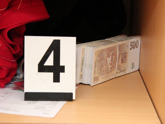 Mladík si doma namnožil bankovky