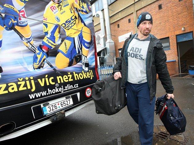 Odjezd hokejistů PSG Zlín na finále do Plzně