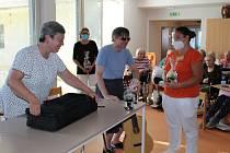 Úžasné setkání a vystoupení nevidomých umělců pro klienty.