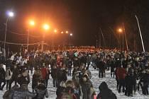 Na zlínský svah loni proudily davy. Ilustrační foto