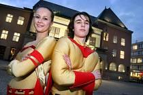Studenti převlečení za superhrdiny ve středu 12. ledna v podvečer na zlínském náměstí Míru propagovali cenu Salvator, kterou každoročně uděluje hejtmanství za hrdinské činy.