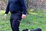Policejní psovod Jiří Gregovský s fenkou Violou.