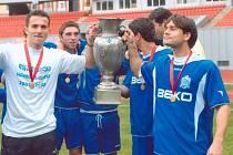 Roman Dobeš (zcela vpravo).