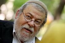 Otevření židovské sekce Lesního hřbitova ve Zlíně za účasti vrchního českého zemského rabína Efraima Karola Sidona.