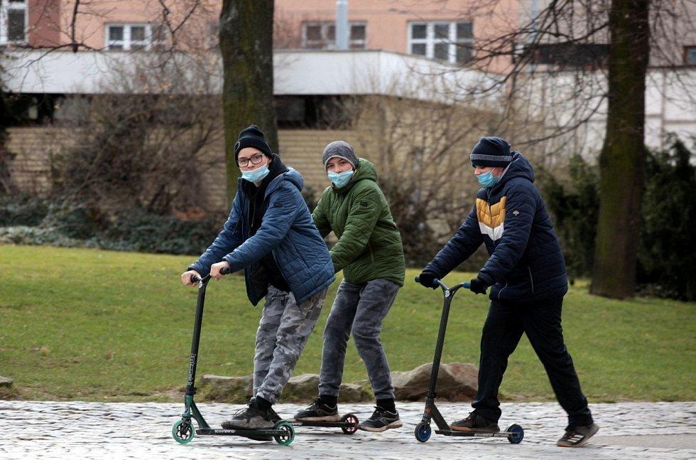 Sobotní dopoledne v centru Zlína, 13. března 2021