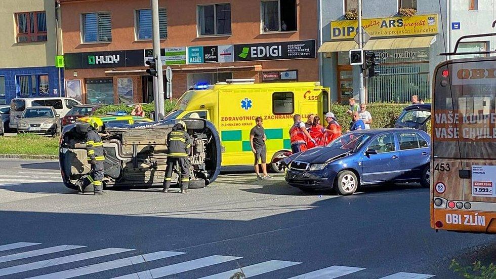Dopravní nehoda Zlín, ulice Dlouhá, 27.8.2020
