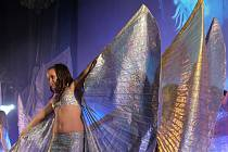 V aule UTB diváci obdivovali krásu orientálních tanců.