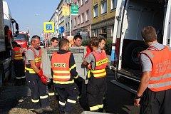 Biologický odpad znečistil silnici v centru Zlína