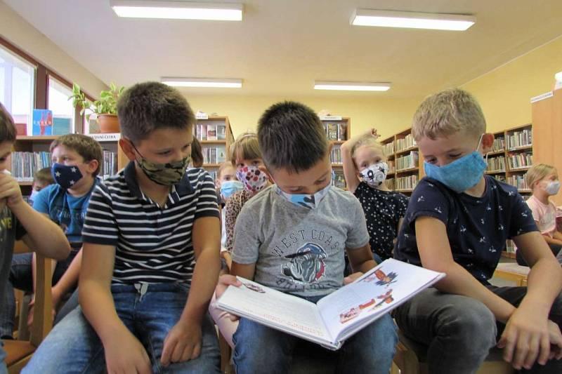 Návštěva knihovny - 2. třída.