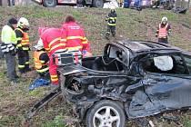 Ranní nehoda u Tlumačova. Dva zranění