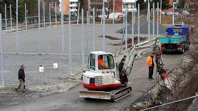 Stavba sportovního areálu na Jižních svazích ve Zlíně.