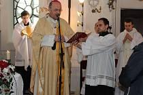 V pátek 8. května 2015 se v zámecké kapli ve Vizovicích konala první slavnostní bohoslužba po znovuotevření obnovené kaple Panny Marie Matky dobré rady za přítomnosti arcibiskupa Jana Graubnera.