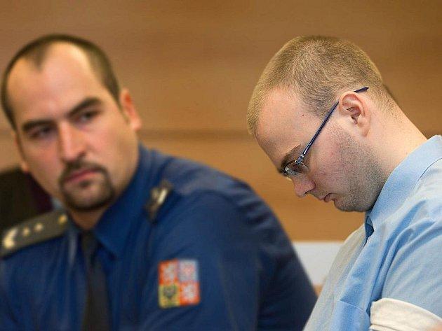 Lukáše Kopeckého odsoudil v pondělí 5. prosince zlínský krajský soud za vraždu dívky z Hulína na přibližně dvacetdva let ve vězení.