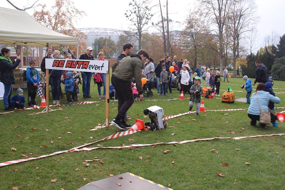 Živý Zlín. Dýňobraní v parku Komenského ve Zlíně. Ilustrační foto