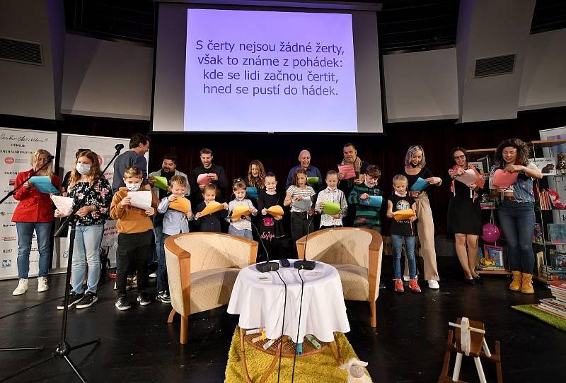 Česko čte dětem v Luhačovicích. Zahájení čtením básní Jiřího Žáčka