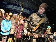 Česko zpívá koledy 2015 na náměstí Míru ve Zlíně.